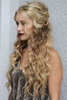 Curly Hairstyles Half Up Half 25 most attractive and beautiful half up half