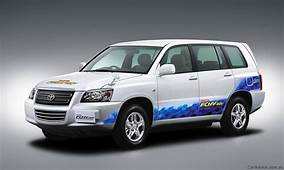 Toyota Hydrogen Fuel Cell Cars To Cost $130000 In 2015