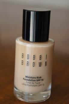 brown moisture rich foundation spf 15 review
