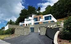 Haus Hanglage Modern - contemporary hillside home homebuilding renovating