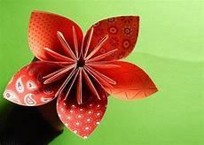 papierblumen basteln bastelanleitung
