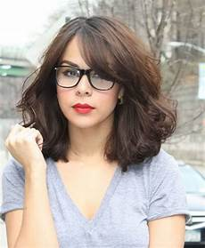 cute hairstyles for girls with glasses 37 cute hairstyles for women with glasses this year
