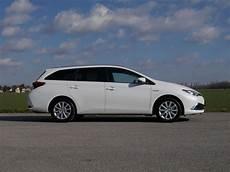 Toyota Auris Hybrid Verbrauch - toyota auris touring sports hybrid testbericht auto