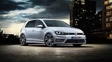 Volkswagen Golf Gets Sporty R Line Trim