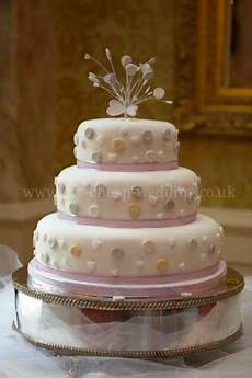 cheap wedding cake decorations uk cheap wedding cakes don t have to look cheap