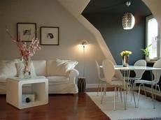 welche wand im zimmer farbig streichen wei 223 e und graue w 228 nde wohnung streichen wohnzimmer streichen 106 inspirierende ideen