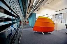 the wirtschaftblatt newsroom office interior design the wirtschaftblatt newsroom office interior design