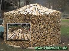 Holz Stapeln Ideen - holz gestapelt in k 228 rnten vom rauschelesee