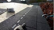 rouleaux bitumineux pour toiture pose bardeau bitum 233 en rouleau isolation sous toiture garage