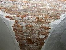 salpeter wand verputzen sanierputz fassade au 223 en keller innen f 252 r feuchte