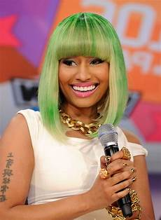 nicki minaj medium green blonde bob hairstyle with blunt