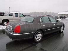 how to sell used cars 2005 lincoln town car head up display cheapusedcars4sale com offers used car for sale 2005 lincoln town car signature sedan 7 990