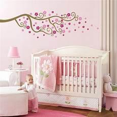 babyzimmer tapete mädchen babyzimmer gestalten babywiege anleitung und 40 tolle