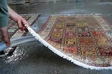 lavaggio tappeti persiani prezzi lavaggio tappeti sardegna pulizia con acqua sardegna