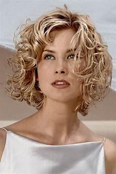 Dauerwelle Mittellange Haare - dauerwelle friseur dienstleistung coiffeurteam