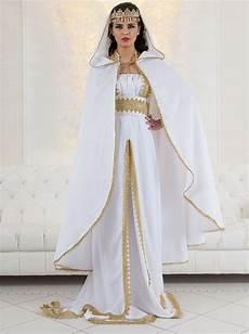 caftan blanc pour mariage marocain en caftan
