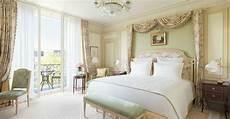 chambre bébé de luxe deluxe room hotel ritz 5