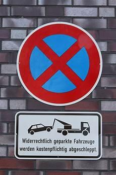 wo ist das überholen verboten stopping 2884185 960 720 autokennzeichen de