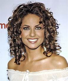 curly hair styles for your face shape hairstyles thehairstyler wedding hair pinterest
