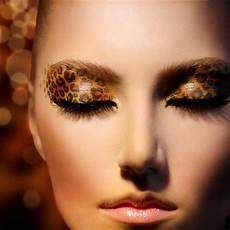 leoparden augen schminken augen make up im leoparden look gr 252 ne augen schminken