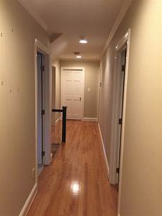 hallway should i paint the ceiling and walls the same color