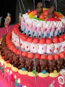 gateau anniversaire enfants gateau de bonbons pour un go 251 ter d anniversaire reussit