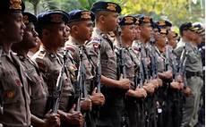Polisi Bersenjata Amankan Demo Mahasiswa Papua Di Denpasar