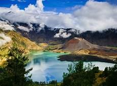 5 Pemandangan Alam Indah Di Indonesia Paling Menakjubkan