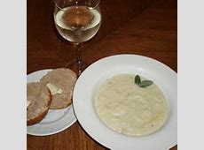 cream of cauliflower and stilton soup_image