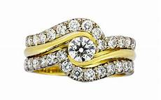 how do engagement rings and wedding rings work together