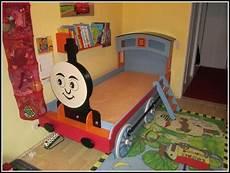 die lokomotive bett gebraucht betten house und