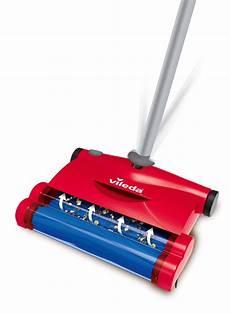 scopa per tappeti la scopa elettrica per tutti i pavimenti mondopratico it