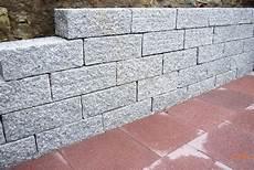 gartenmauer ohne fundament mauer setzen zur strasse rechtslage meinungen und evtl