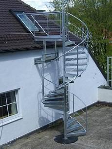 wendeltreppe außen gebraucht spindeltreppen fluchttreppen aus stahl verzinkt f 252 r au 223 en
