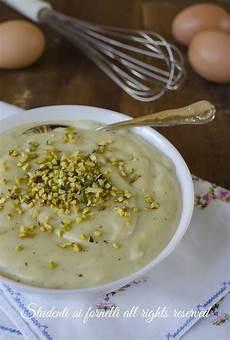 crema pasticcera con crema di pistacchio crema pasticcera al pistacchio per dolci crostate torte ricetta