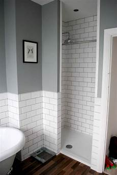 grey and white bathroom tile ideas these white tiles with the grey combo x subway tiles
