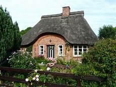 reetdachhaus ostsee kaufen romantische reetdachkate in ostseen 228 he oldenburg in holstein