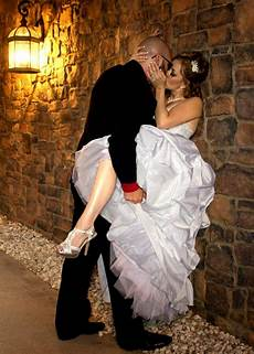 9 Wedding Pictures Not For Your Wedding Album