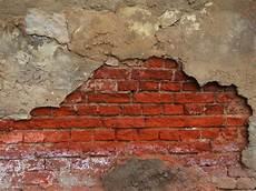 alte ziegelmauer sanieren salpeter im mauerwerk entfernen frag mutti