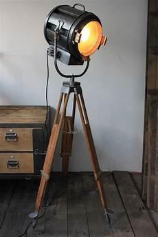 projecteur cinema ancien 81719 ancien projecteur cinema richardson an 40 50 trepied bois eclairage salon decor
