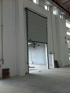 portoni industriali sezionali fdimpianti portoni sezionali industriali chiusure