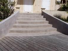 R 233 Alisation D Un Rev 234 Tement B 233 Ton Cir 233 Sur Un Escalier