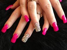 5 nail designs with rhinestones for a dazzling manicure
