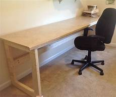 Simple Work Desk by Desk Worktable House Renovations Diy Desk Diy