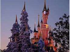 Disney Castle in Christmas wallpaper   Free Desktop Wallpaper