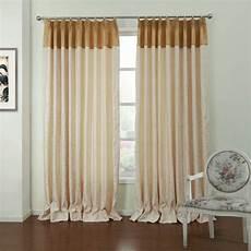 edle gardinen wohnzimmer landhausstil gardinen beige edle stoffe altgold kante mit