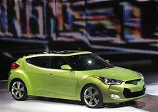 Hyundai Veloster 4 Door by Hyundai Veloster 3 4 Front Thedetroitbureau