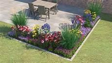 Ein Blumenbeet Vor Einem Haus Dekor 225 Ci 243 Kert Garten