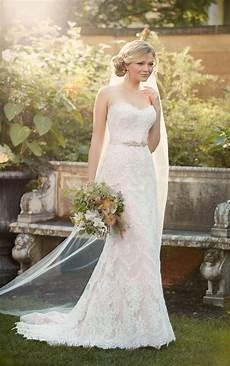 picture of wedding gown sheath wedding gown i essense of australia
