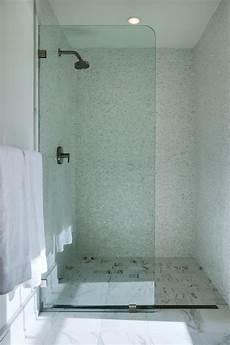 Bad Trennwand Glas - square marble shower floor tiles transitional bathroom